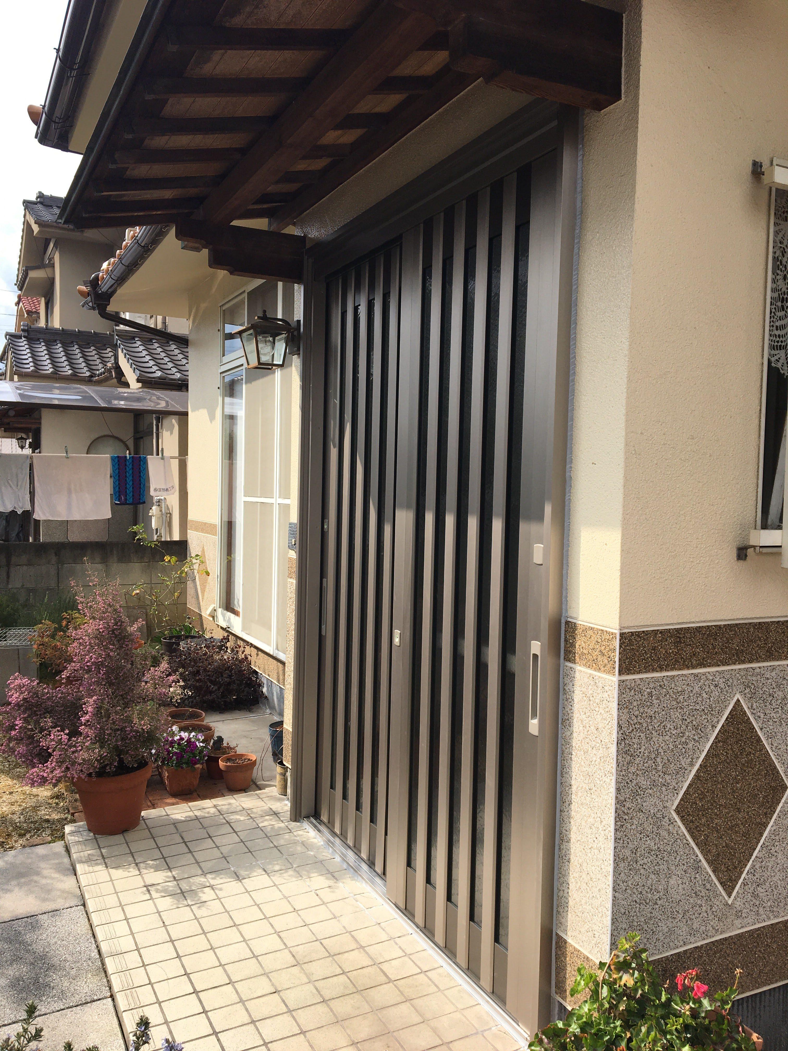 古い玄関から新しい玄関に交換 リクシルさんの1dayリフォーム玄関ドア