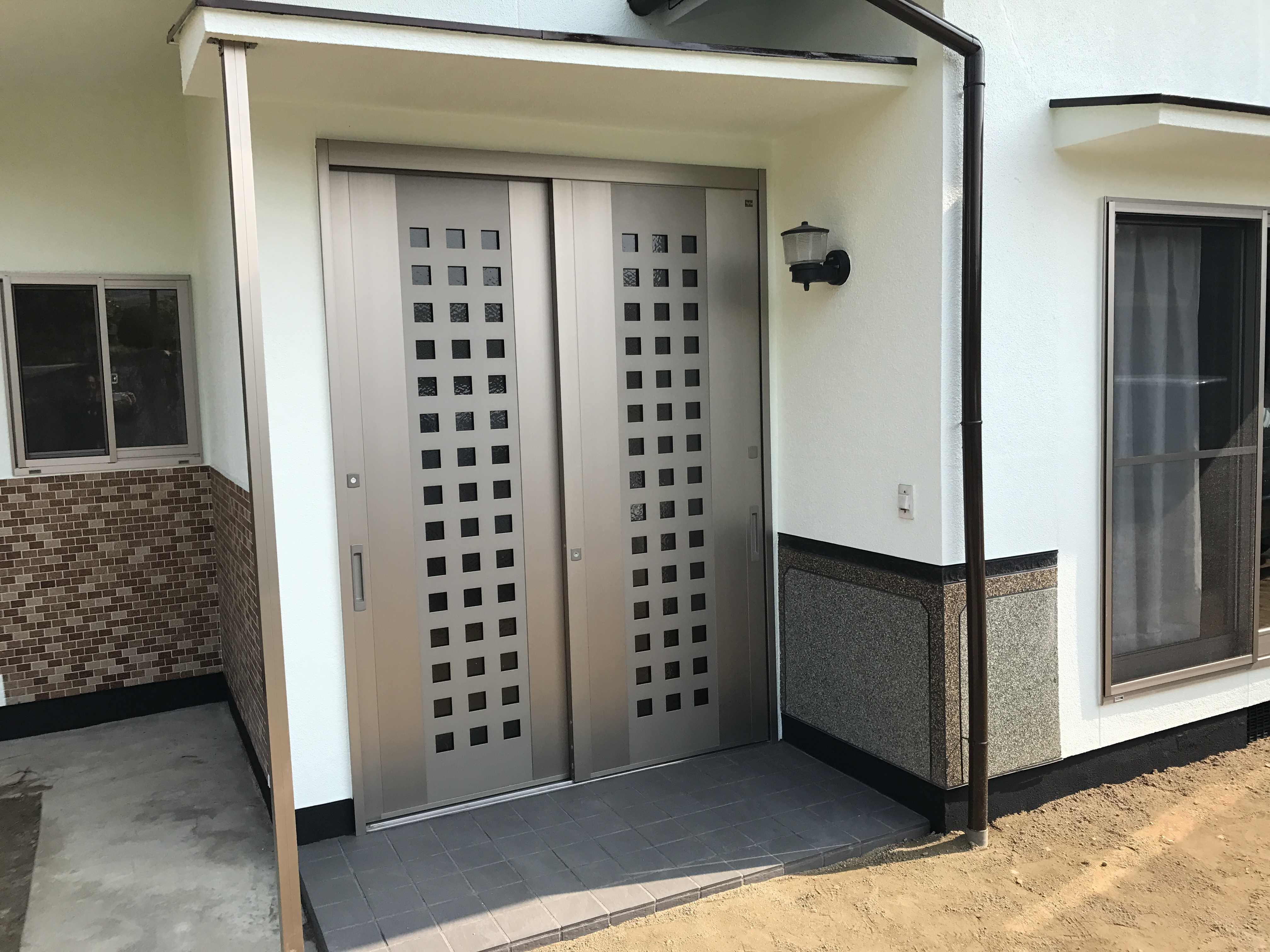 玄関ドア 交換 リクシル