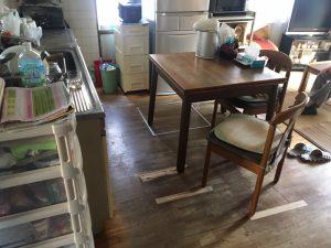 キッチンの床が傷んできたな~。そんな時はお任せ下さい!!