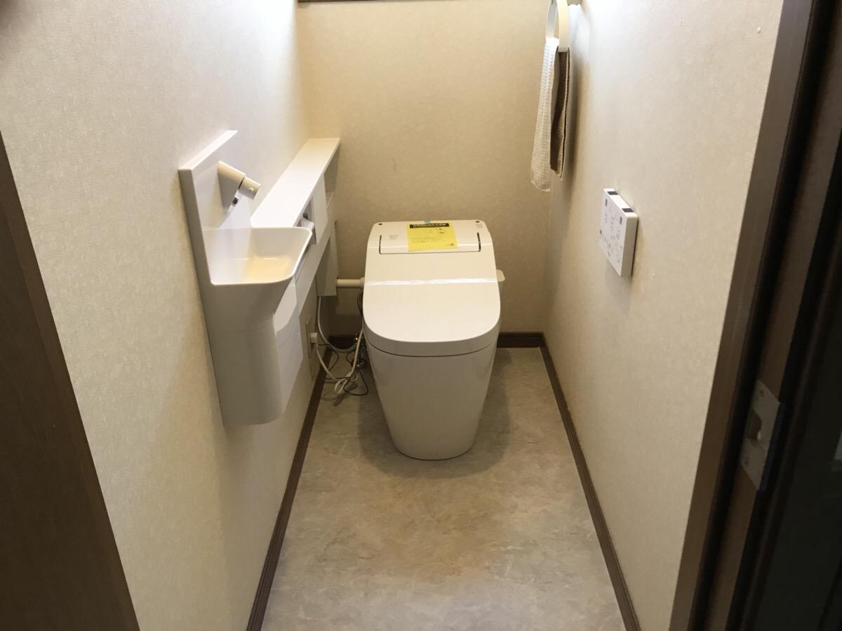 1階・2階のトイレをリフォームいたしました!ついでに浴室の水栓も!