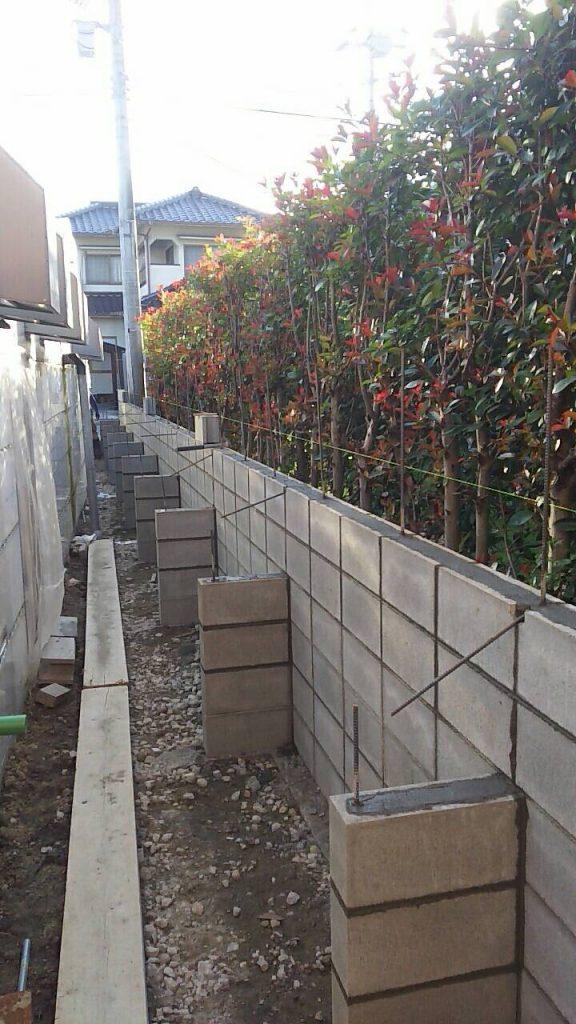 井原市でブロック塀工事をしています