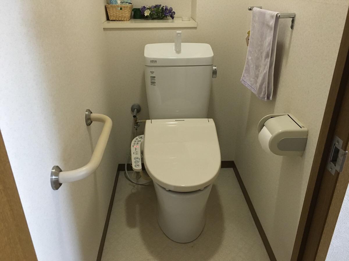 福山市松永町にてトイレを交換致しました。