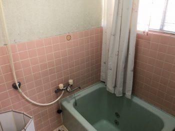福山市手城町にて浴室改修工事がスタート致しました。