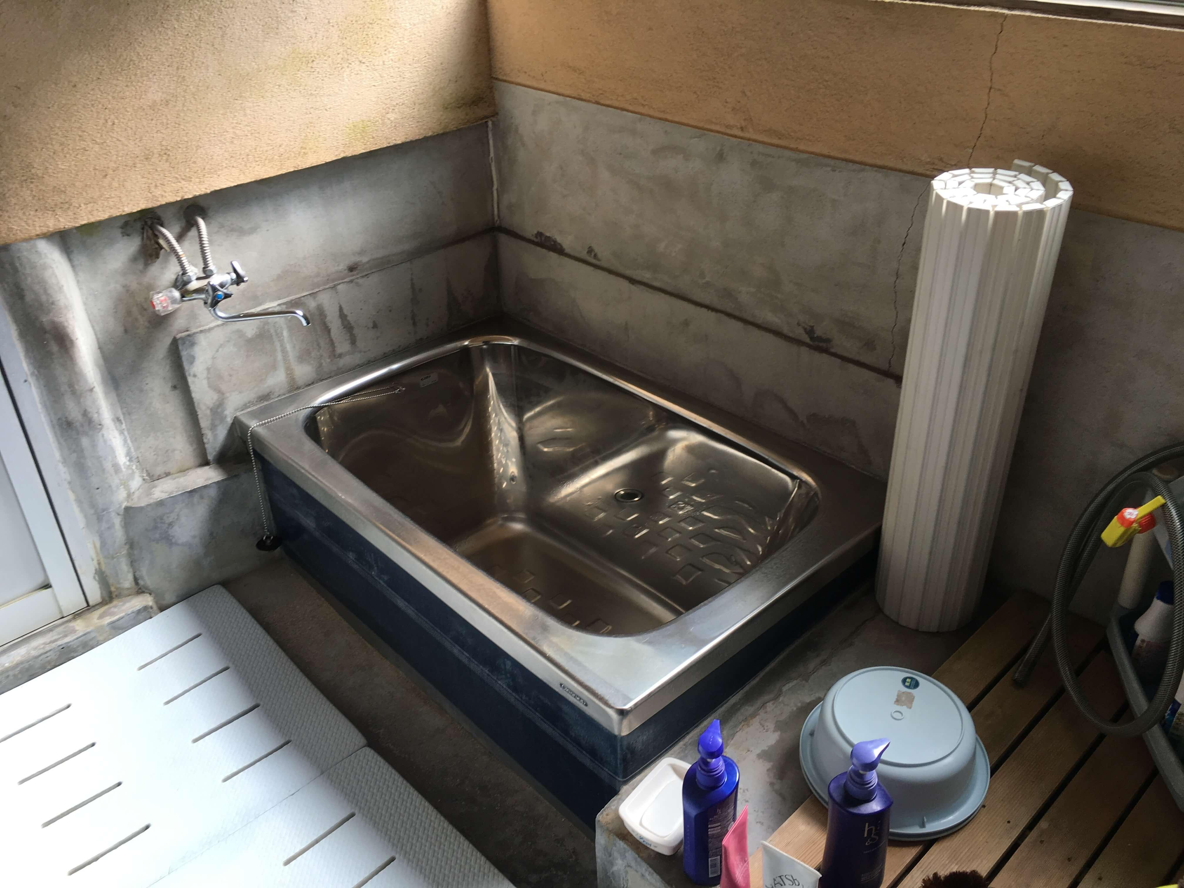 昔ながらのお風呂で非常に寒いお風呂でした。