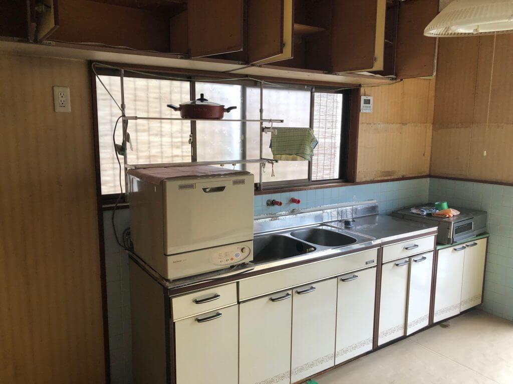 福山市多治米町 キッチン改修工事スタートです。