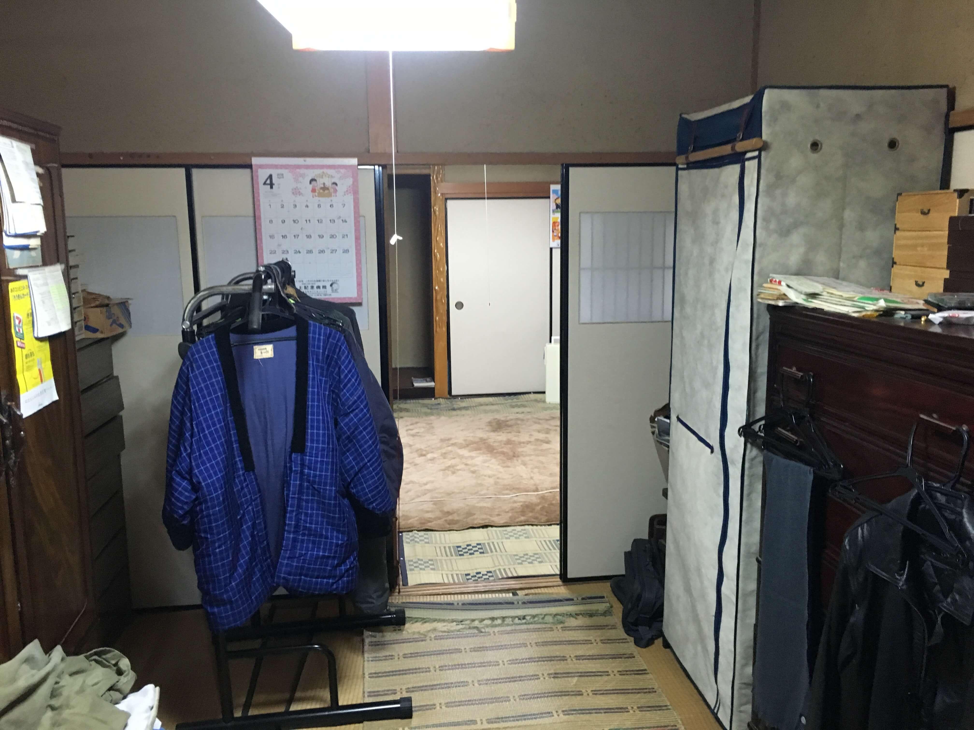 和室続きで、部屋が仕切られており、使い勝手が悪い空間でした。
