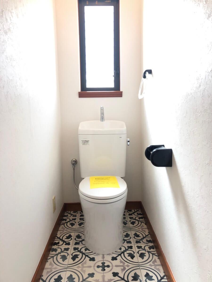 坪生町でトイレ改修工事