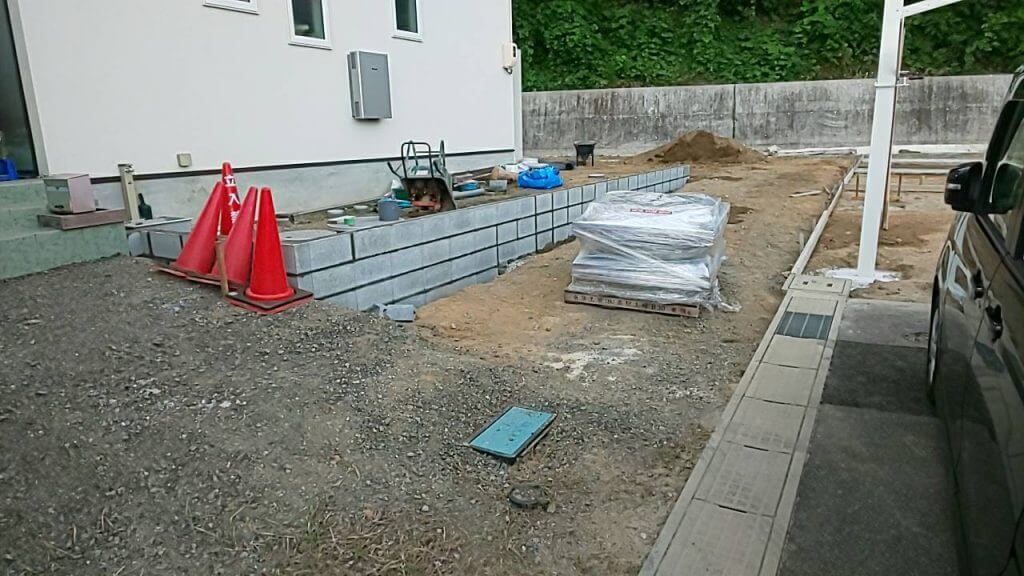 神辺町で、カーポートや砂利など外構工事です