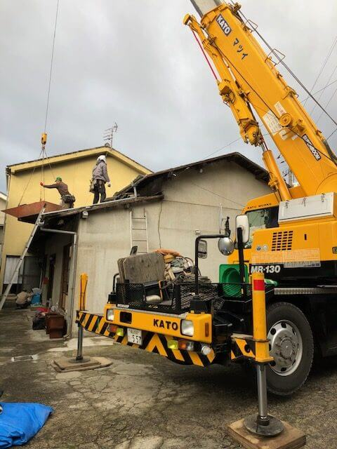 新春 工事スタートです。屋根瓦葺き替え