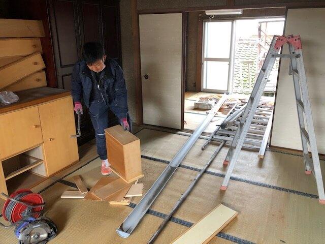今津町で二階全面改装工事がスタートしました