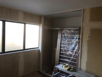 今津町で二階全面改装工事 クロススタート