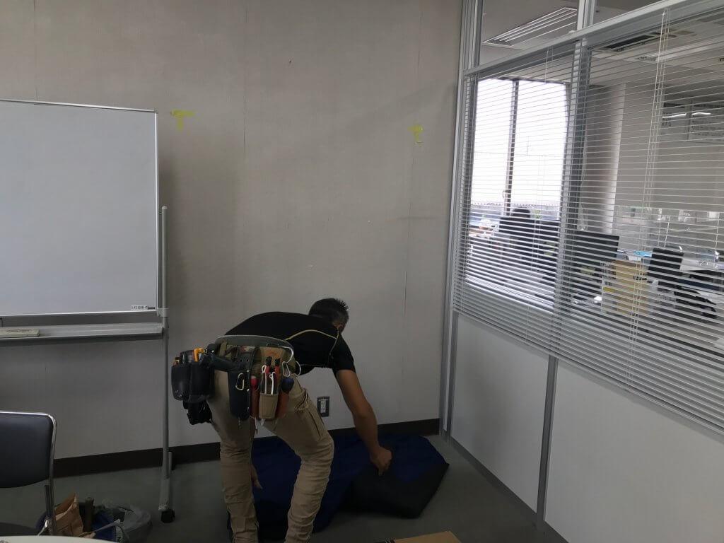 ラックス建設打合せ室PCモニター設置工事